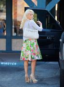 Холли Мэдисон, фото 1956. Holly Madison Starbucks in LA Market FEB-1-2012, foto 1956