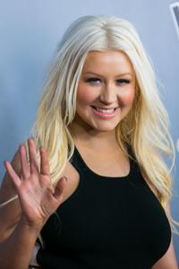 [Fotos+Videos] Christina Aguilera en la Premier de la 4ta Temporada de The Voice 2013 - Página 4 Th_985695115_001_Christina_Aguilera_20_122_373lo