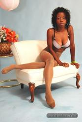 [Image: th_145639435_tduid2978_Pantyhose_Ebony_0..._532lo.jpg]