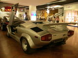 th_58604_countach5000sdla1257210cc_123_887lo.jpg